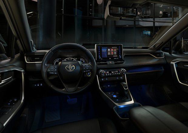 トヨタ新型RAV4の内装