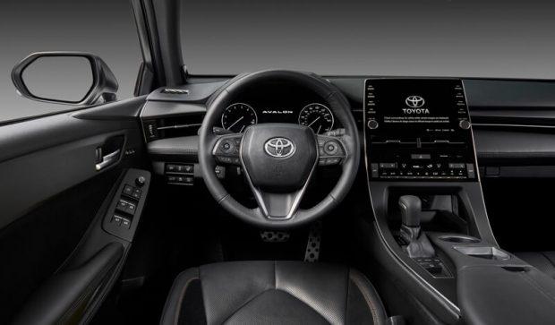トヨタ新型アバロンの内装